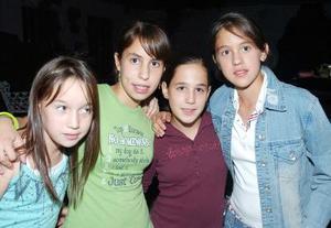 <b>04 noviembre 2005</b><p> Sandra, Paty, Frida y Ana Paulina.