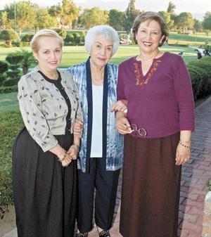 Nancy Lozano, Rosita de Palafox y Laura Palacios.