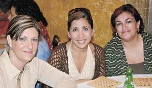 <b>04 noviembre 2005</b><p>  Rosa Nieves, Mónica de Reyes y Marilin Arcaute
