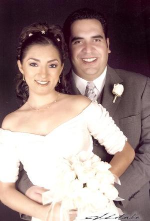 L.A.E. Jorge Alberto Cebrián García y Lic. Yasmín Guerrero Álvarez, contrajeron matrimonio civil el pasado 17 de septiembre.