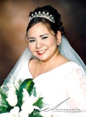 Ing. Sanjuanita Ortiz Oballe, el día de su enlace matrimonial con el Ing. Jorge Montoya Guardado.