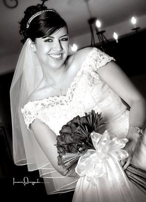 Ing. Abril Cepeda Rubio, el día de su boda con el C.P. José Juan Leyón Torre.