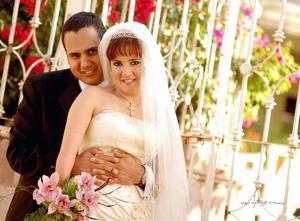 Sr. Alan Ganem y Srita. Scarlett Murra Papadópulos contrajeron matrimonio el pasado cinco de agosto en la parroquia Los Ángeles.