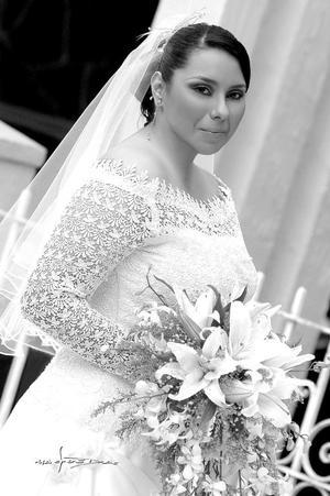 Srita. Contesina Cabello Perales unió su vida en matrimonio a la del Sr. Enrique Berumen Luna.