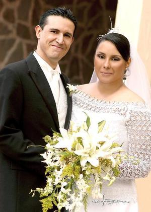 Sr. Enrique Berumen Luna y Srita. Contesina Cabello Perales contrajeron matrimonio el pasado 15 de octubre
