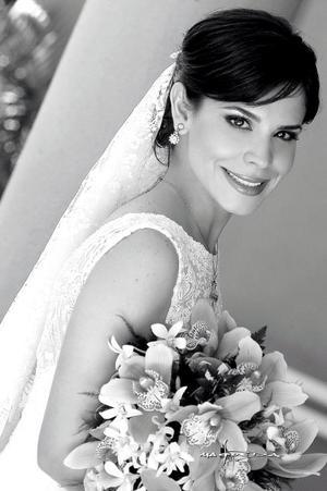 Srita. Laurencia González Martínez, el día de su enlace nupcial con el Sr. Jorge Alberto Herrera Leal.