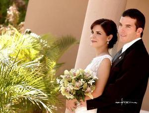 Sr. Jorge Alberto Herrera Leal y Srita.  Laurencia González Martínez.