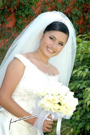 Srita.Naila Nohemí Sánchez Lanzarín, el día de su enlace matrimonial con el Sr. Osvaldo Herrera Salazar.