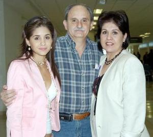 Luz María de Nahle y Luz María de Herrera viajaron al DF, las despidió Ricardo Herrera.