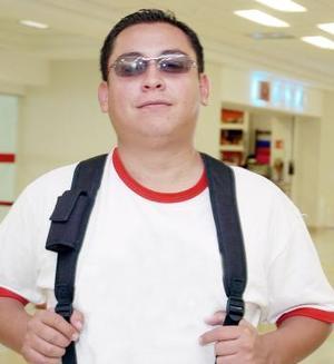 <b>05 de noviembre 2005</b><p> Humberto Vázquez Frayre viajó acon destino a Nueva York.