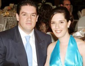 <b>05 de noviembre 2005</b><p> Alejandro Garza y Gabriela Alarcón.