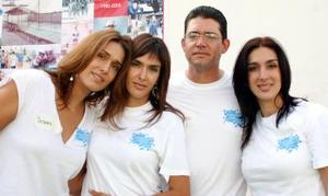 Deborah, Mónica, Cotono y Chacha Salmón.