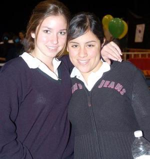 Elia María Dávalos y Pamela de la Rosa.