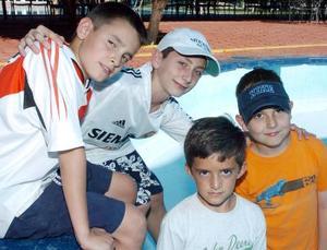 Adrián Meléndez, Eduardo González, Ángel y Javier Gilio.