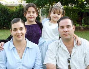 Paulina Zarzosa Fernández disfrutó de una bonita fiesta con motivo de sus cuatro años, que le organizaron en días pasados sus papás, Ricardo Zarzosa de la Torre y Natalia Ferández de Zarzosa y su hermana Natalia.