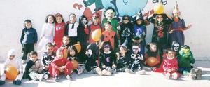 Pequeños del Instituto de Educación Preescolar Mi Pequeño Mundo tuvieron una fiesta de disfraces.