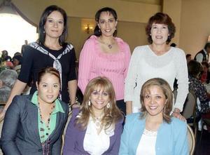 <b>06 de noviembre 2005</b><p> Samanta de Cariño, Lucía de Ramos, Lupita de Martínez, Martha de Llama, Mónica de Silva y Lourdes Sotomayor.