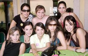 Marcela Martínez, Ángela Navarro, Laura Jaik, Ana Echávez, María Elvira Garza, Bárbara Gurza, Karla Martínez y Mónica González.