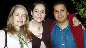 Cristina Treviño, Paty Hernández y Miguel Canseco.