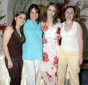 Laura Torres, Alejandra de Torres, Lucy Torres y Any de Torres.