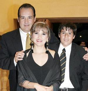 Eduardo Borrego, Mara de Borrego y Eduardo Borrego Jr.