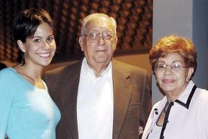 María Luisa, Ariel y Adriana Berrueto