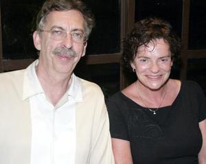 Michel Roy y Lucie Lariviere.