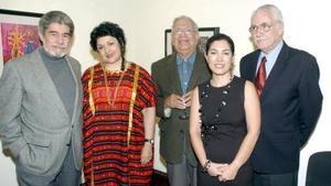 Teodoro Villegas, Alma Velazco, Fernando Martínez y Ana Sofía García Camil, acompañando a Jaime Augusto Shelley.