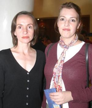 Andrea Cotera y Astrid Vander Horst.