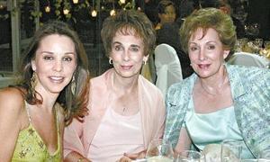 Mónica de García, Lucía Sánchez y Cristina García.