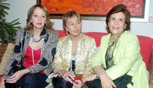 <b>07 noviembre 2005</b><p> Tom Fernández, Chelo Fernández y Martha de Leal.
