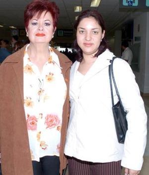 <b>08 de noviembre 2005</b><p> Procedentes del DF, llegaron Janeth del Puerto y Delia Alpizar