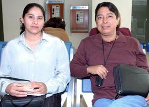 Eduardo Morales y Olga Lidia González  viajaron al DF.