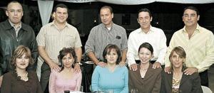 Fernando y Lucy Carrillo, Fernando y Ángela Menéndez, Lalo y Nina Sáenz, Rodolfo y Akemi Cepeda, Eduardo y Charito Cepeda.