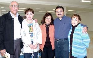 Daniel Mora y Cosme Máynez viajaron a Puerto Vallarta, los despidieron sus familiares.