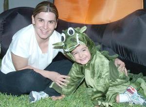 Lucía Leal  y su hijo Eduardo Ramos Leal.