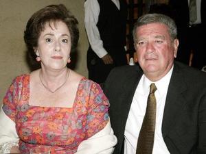 Alejandra Margarita de Aguiñaga y Fernando Aguiñaga.