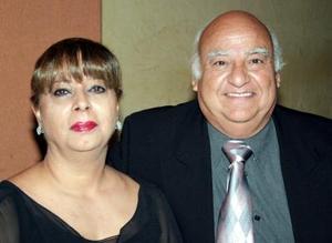 Elizabeth Corona Luna y Luis Gerardo Aguiñaga Gibert.