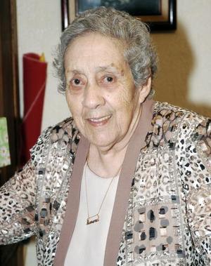 Aurora Cárdenas de Alanis celebró recientemente sus 87 años de vida.