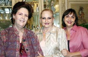 Patricia de García, Amira de Talamás y Magdalena de Abularach.