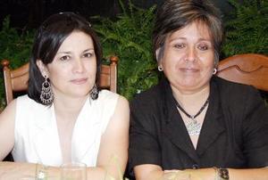 <b>11 noviembre 2005</b><p> Yolú Rivera de Barranco y María Teresa Wong Sánchez.