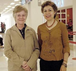 Alicia Urraza viajó al DF y fue despedida por Pilar López.