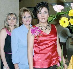 Por su próxima boda, Ana Luis Ruvalcaba celebró con una fiesta de despedida junto a familiares y amigas.