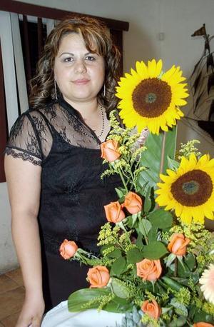 <b>11 de noviembre 2005</b><p> Ruth de la Torre, en la despedida que le organizaron.