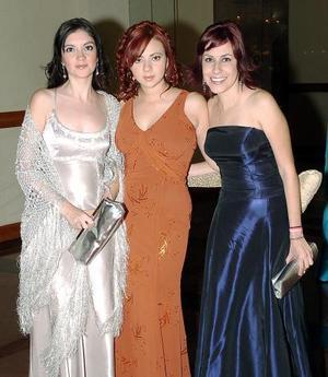 <b>11 noviembre 2005</b><p> Yunuen Acuña, Adriana Montañez y Ana Laura Muñoz
