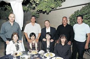Gerardo Ramírez y Alicia Valle, Arturo Carrillo y Luz Elena Luna, Octavio Salmón y Celina de Salmón, Karim Atiyeh y María de Atiyeh