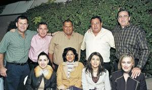 Jorge Villarreal , Rogelio y Lorena González, Jaime y Cacho Ramírez, Rafael y Patricia Elías, Tomás Obeso y Martha Correa.