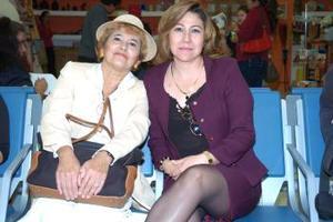 <b>11 de noviembre 2005</b><p> Concepción  Lugo y Estrella Abularach viajaron a Tijuana.