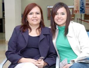 Maricarmen de la O viajó a los Cabos, la despidió Luz Elena Vizcarra.