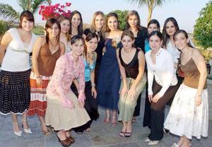 <b>12 de noviembre 2005</b><p>  Priscilla Moreno Anya con sus amigas Velina Murra, Judith Hernández, Miriam Villalobos, Laura Batarse, Silvia de De Anda, Diana de Kishi, Cinthia Serna, Mariana Michel, Melisa Hemosillo, María José Barrondo, Verónica Murra.